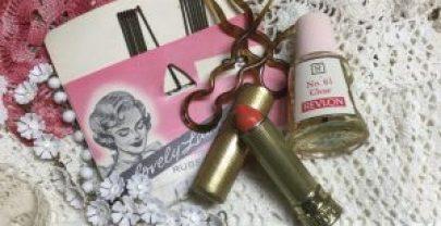 Vintage Cosmetic Set
